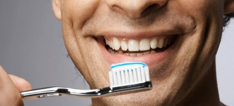Зубной камень? Срочно ищите телефон стоматологии!