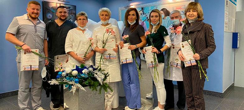 Наши врачи удостоены награды СтАР «Отличник стоматологии»
